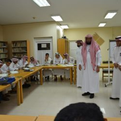 أمير تبوك يلتقي المواطنين في جلسة سموه الأسبوعية