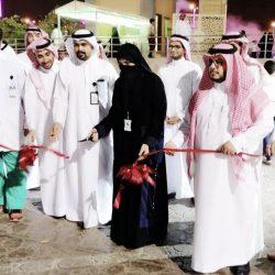الشيخ احمد بشير معافا يكرم المشرفين التربويين بمكتب تعليم ضمد وأبناء شهداء الواجب بالمحافظة