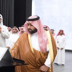 نواف يضيء منزل محمد القرشي
