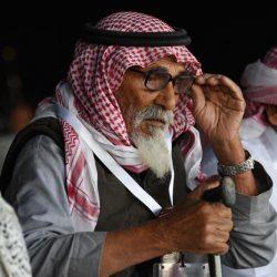 مدير شرطة رابغ يقلد قائد دوريات أمن محافظة رابغ رتبته الجديدة