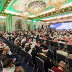 خادم الحرمين الشريفين يصل الرياض