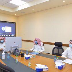 تتويج الفائزين بالأشواط الخمسة في مهرجان الملك عبدالعزيز للصقور