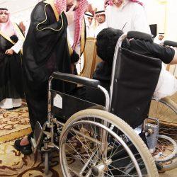 مدير مطار الطائف الدولي يكرم مشرف طيران فلاي دبي