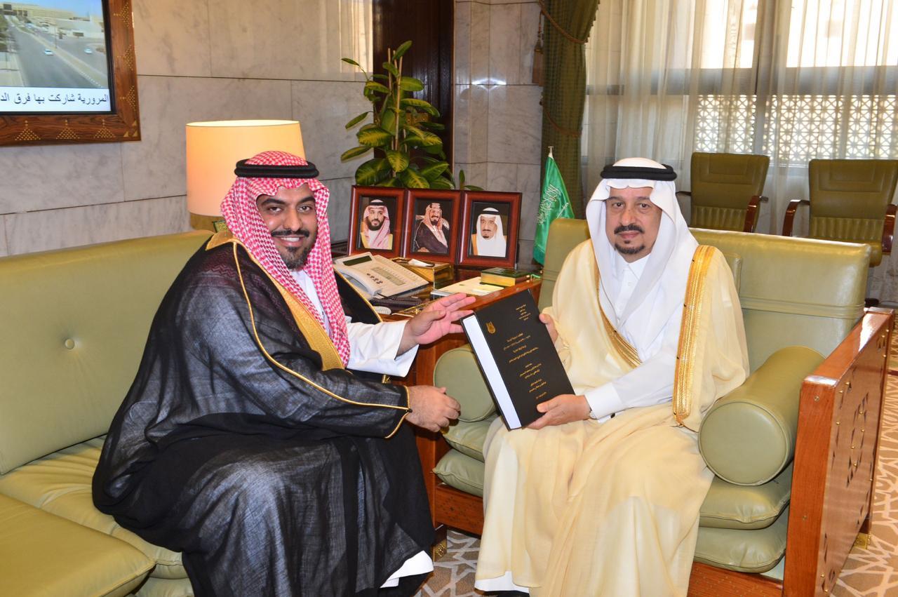 سمو أمير منطقة الرياض يستقبل الدكتور الحنيحن » صحيفة خبر عاجل