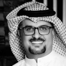 برئاسة فخرية من الشيخ خليفة آل نهيان تكريم الشاعر أحمد المقبالي