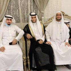 رئيس مركز القوز يزور الإعلامي محمد الشرقي بمناسبة حلول عيد الفطر المبارك ١٤٤٢هـ